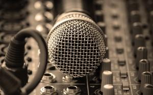 studio-microphone-wallpapers_42442_2560x1600